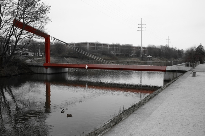 passerelle des aguesses, canal de l'ourthe, angleur liège, greisch, movable steel footbridge, photo dominique houcmant, goldo graphisme