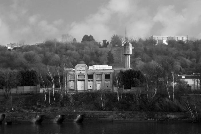 photo station de pompage n° 1, rue du barrage, la Meuse, Seraing, Belgique, pumping station, photo dominique houcmant, goldo graphisme