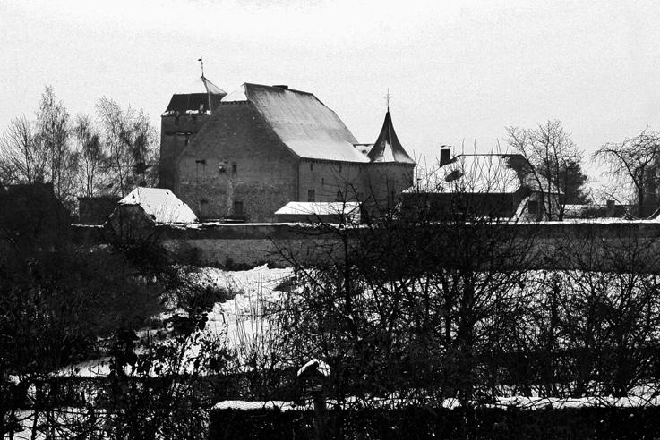 château de l'Avouerie d'Anthisnes sous la neige, musée de la bière et du peket, cervoise, photo dominique houcmant, goldo graphisme