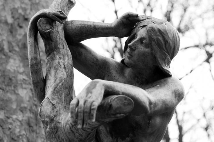Eve et le serpent, Eva en de slang, sculpure, bronze, Albert Desenfans, Parc Josaphat, bruxelles, Belgique, Brussel, photo dominique houcmant, goldo graphisme