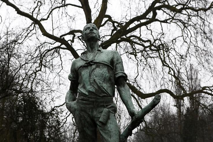 l'élagueur, sculpure, bronze, Albert Desenfans, Parc Josaphat, bruxelles, Belgique, Brussel, photo dominique houcmant, goldo graphisme