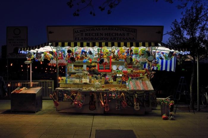 puesto de golosinas Sevilla, España, échoppe à bonbons et souvenirs, Séville Espagne, Spain, photo dominique houcmant, goldo graphisme