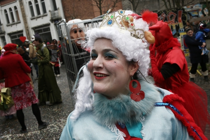 photo carnaval des patates 2013, quartier Nord, Saint-Léonard, Liège, carnaval du nord, la reine des patates, photo dominique houcmant, goldo graphisme