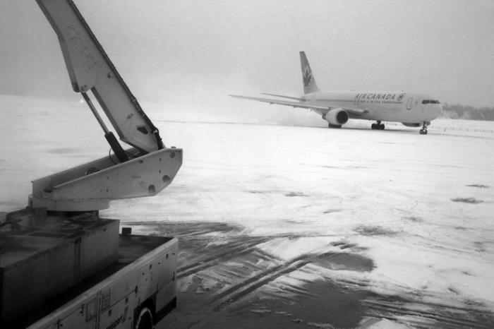 neige, aéroport de Bruxelles National, zaventem, airport under thesnow, brussels, portrait, © photo dominique houcmant