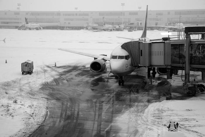 neige, aéroport de bruxelles National, zaventem, airport under the snow, brussels, portrait, © photo dominique houcmant