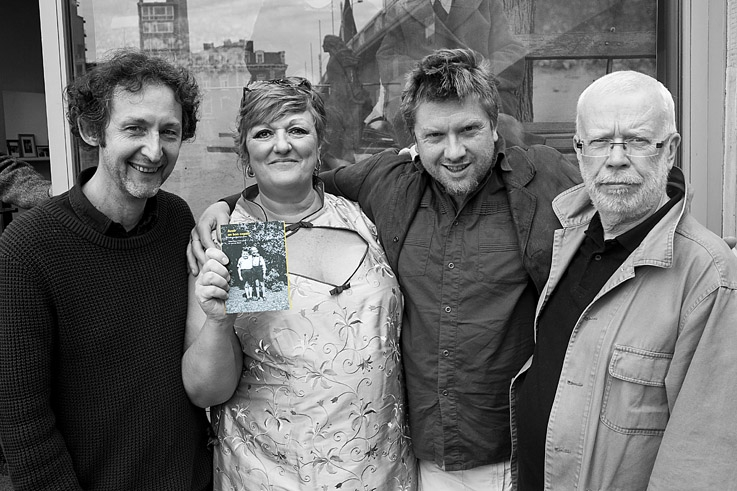 Alain Delaunois, Véronique Marit, Emmanuel d'Autreppe et Guy Jungblut, avoir un bon copain, livre de photographies anciennes de la collection Véroniqque Marit, photo dominique houcmant, goldo graphisme