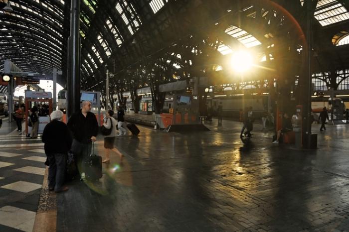 Stazione Centrale di Milano, gare de Milan, les quais, railway station, Italia, Italie, Italy, © photo dominique houcmant