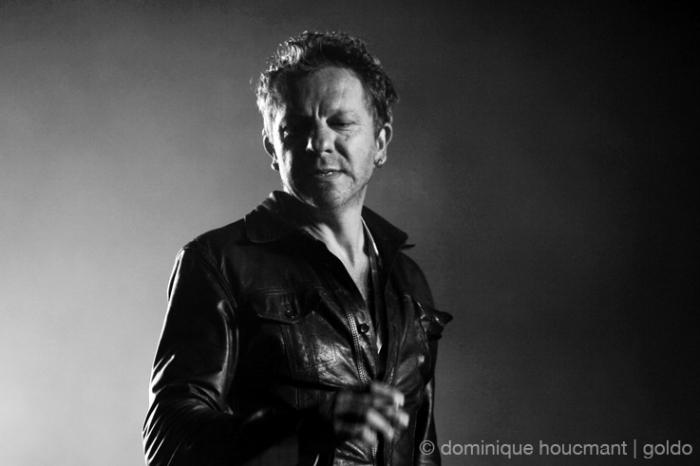 Tom Barman portrait, dEUS, les ardentes festival, liège, live, concert,© photo dominique houcmant