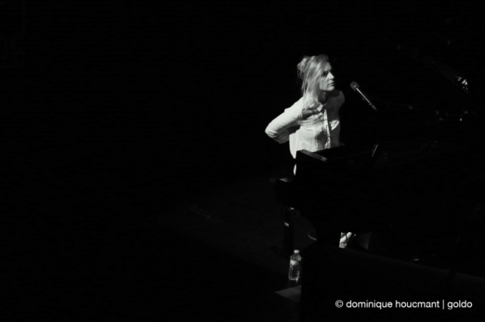 Agnes Obel au piano, music, concert, live, forum de liège, Liège, photo dominique houcmant, goldo graphisme