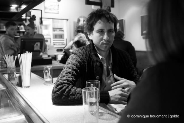 portrait, Stéphane Demoustier, réalisateur français, french movie director, cinéma le Parc, Liège, les grignoux, photo dominique houcmant | goldo graphisme