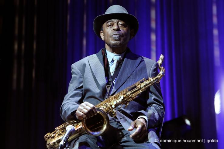 Portrait Archie Shepp avec saxophone, jazz, music, festival Mithra jazz à Liège 2014, foto, photo dominique houcmant, goldo graphisme
