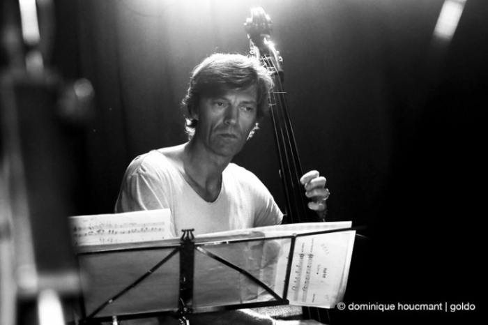 TaxiWars, photo, jazz, Nicolas Thys, basse, double-bass, le hangar, Liège, concert, © photo dominique houcmant