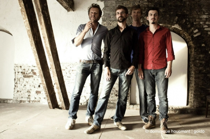 TaxiWars, portrait photo du groupe, Tom Barman, Robin Verheyen, Nicolas Thys, Antoine Pierre, le hangar, Liège, © photo dominique houcmant