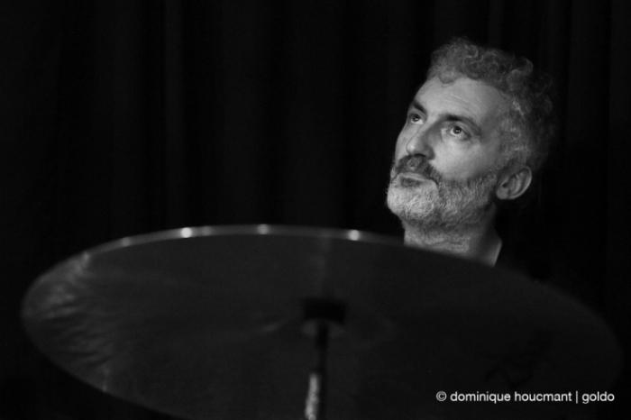 Portrait Giovanni Barcella batterie, drums, jazz, liège, musicien, music, © photo dominique houcmant