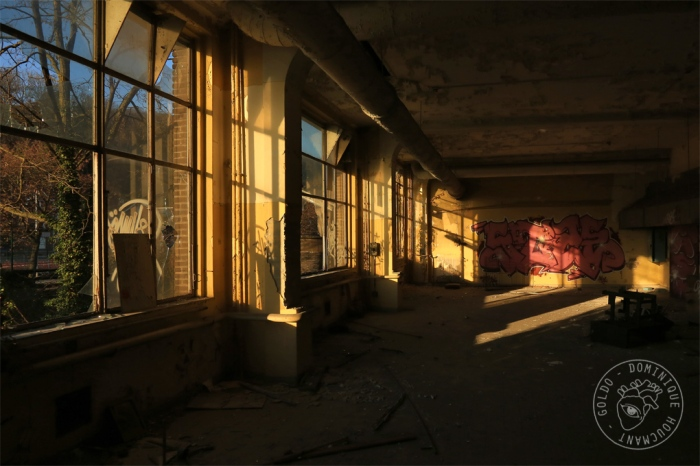 Val-Benoît, Université de Liège, urbex, salle de classe, fenêtre,